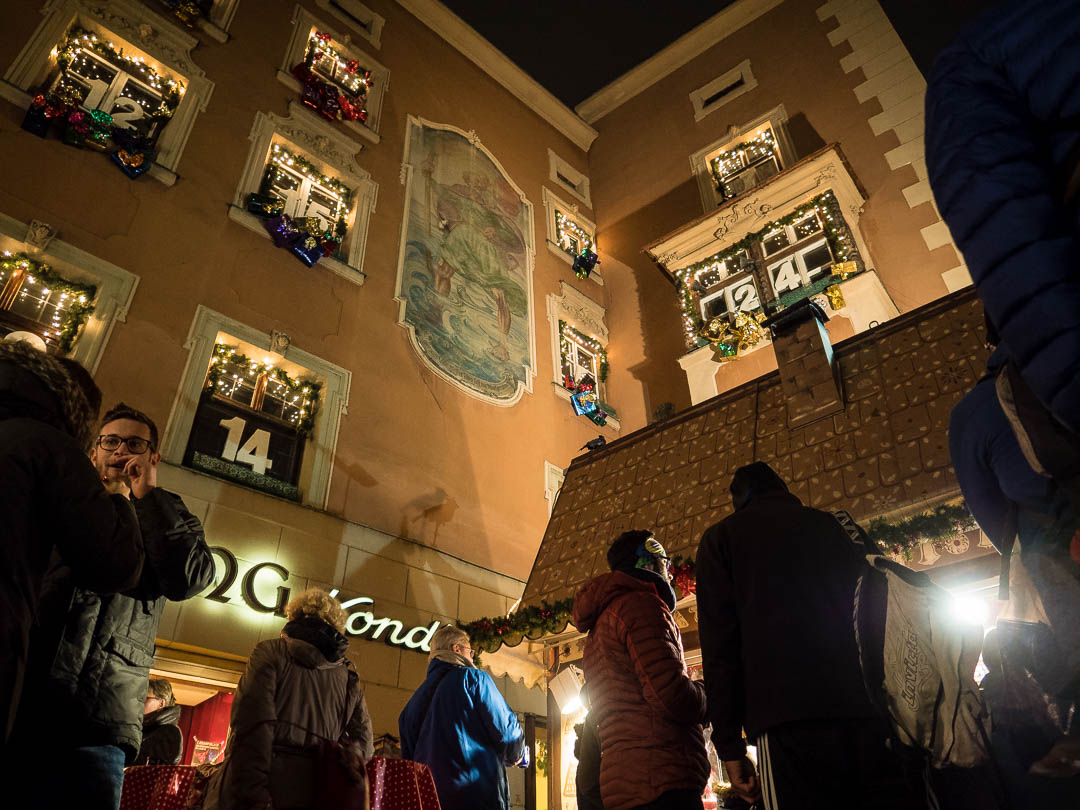 innsbruck-weihnachtsmarkt-adventskalender-haus