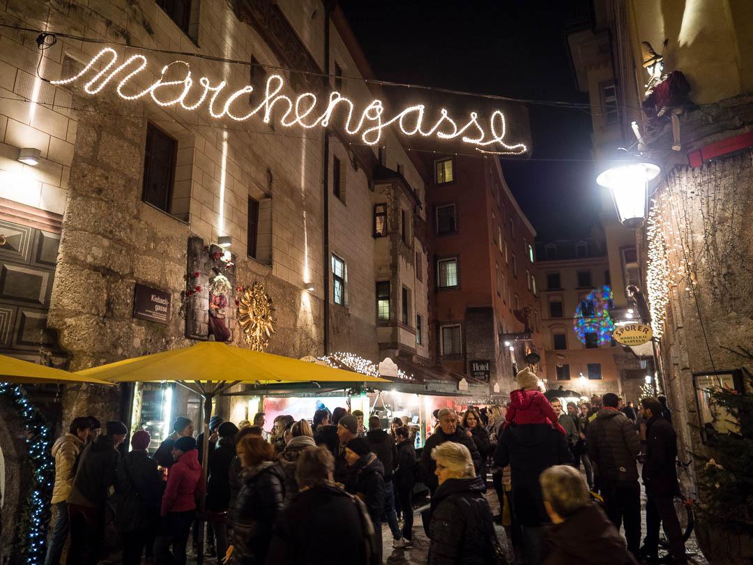 innsbruck-weihnachtsmarkt-marchengasse
