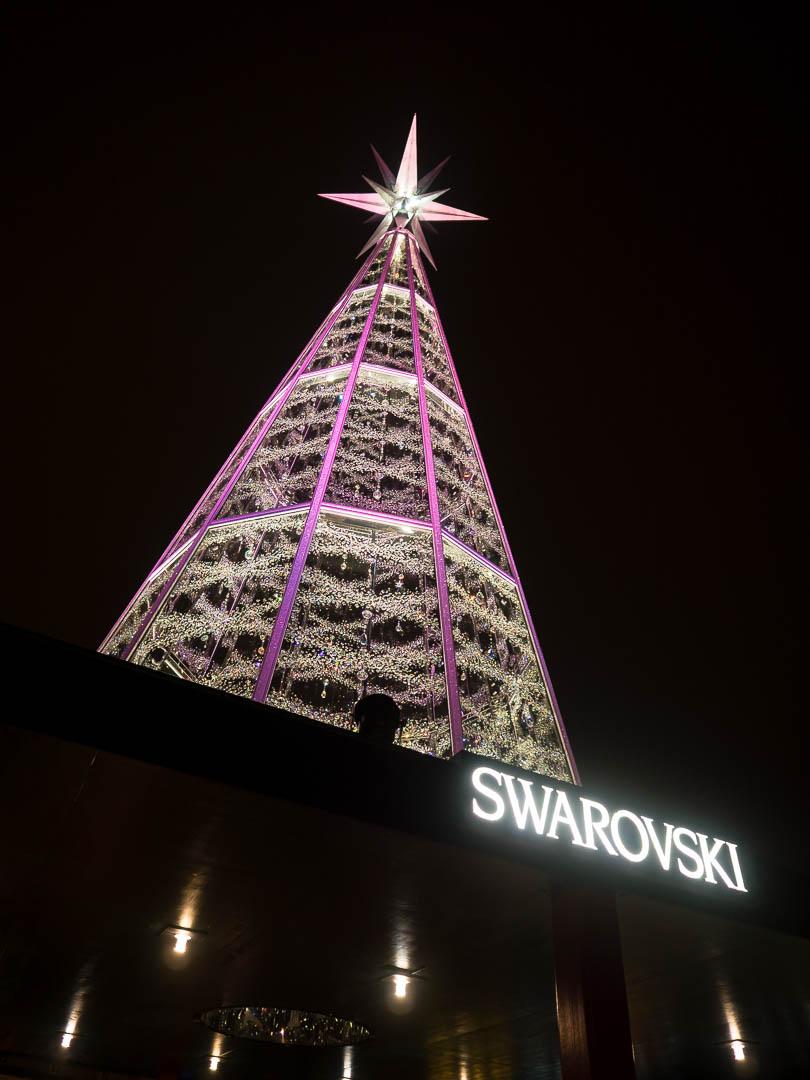 innsbruck-weihnachtsmarkt-svarowski-baum