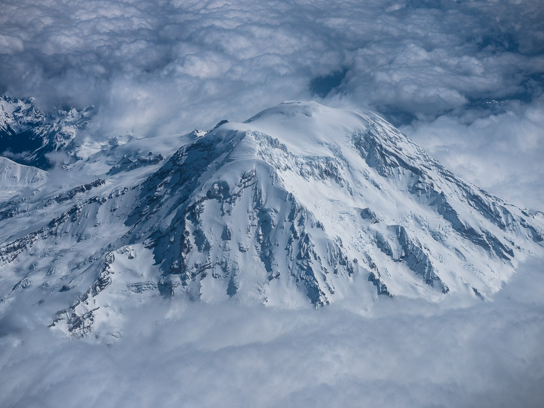 Mount Rainier from the air02