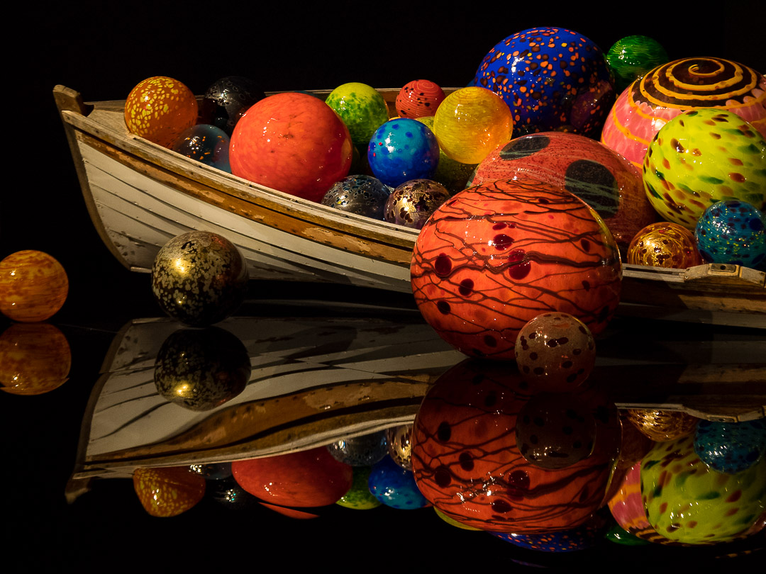 Chihuly Glass | 1/80 sec - f/4 - ISO 1600 - 70mm
