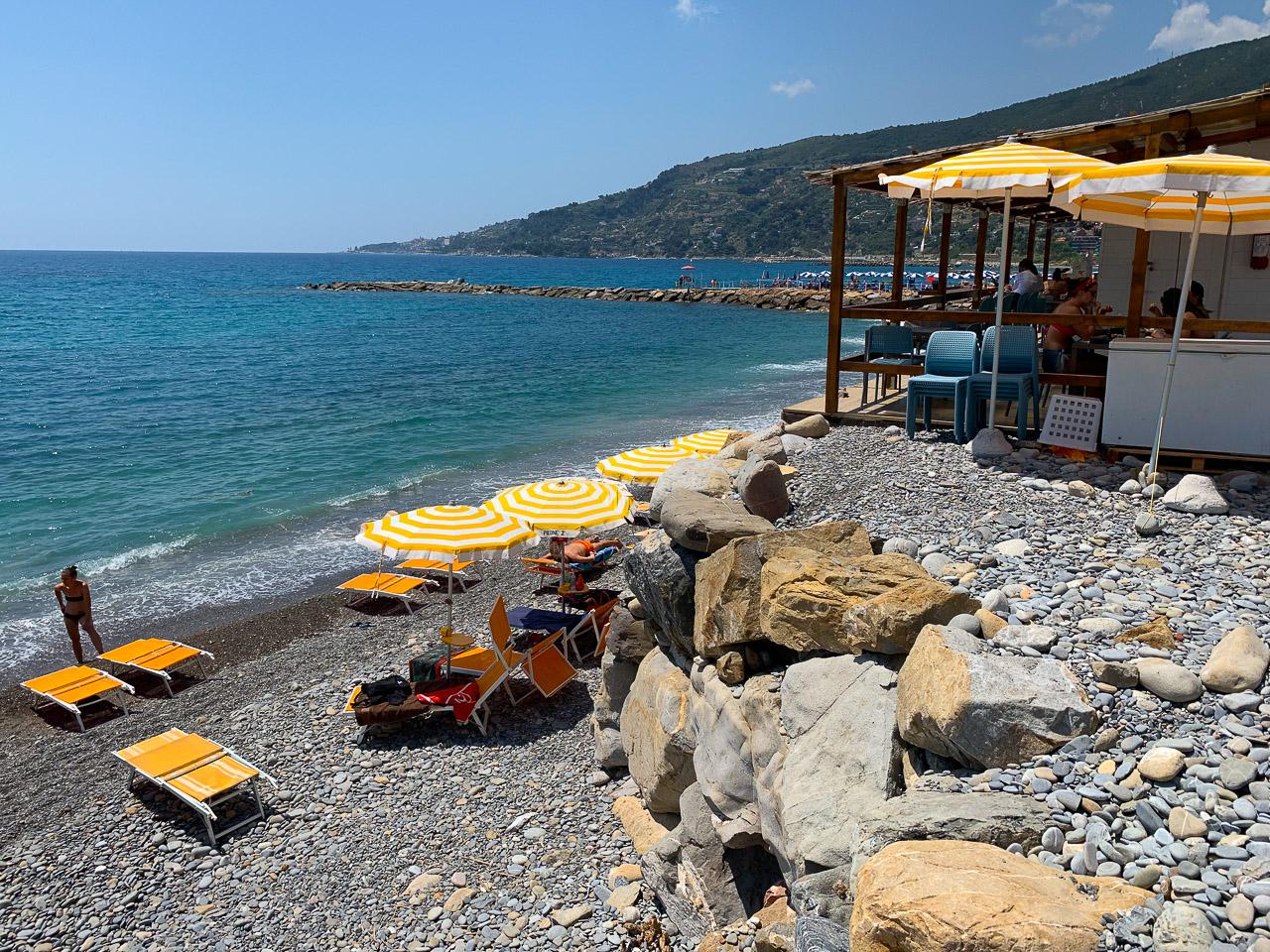 Beach bar in Ospedaletti