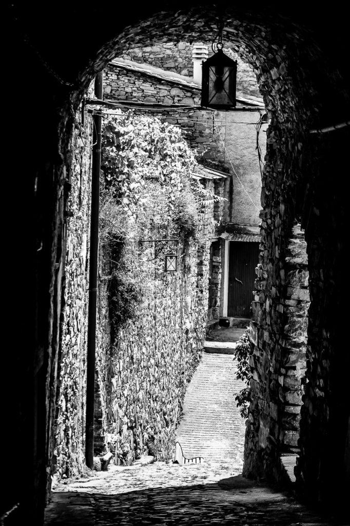 Portico in Montalto Ligure