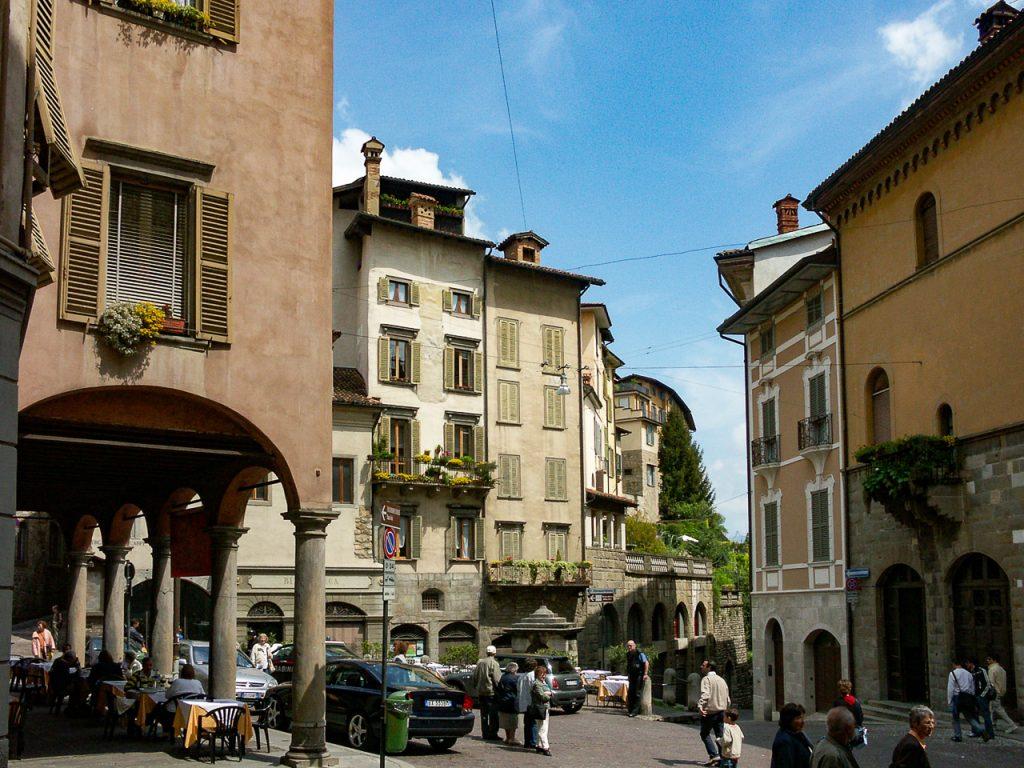 Piazza Mercato Delle Scarpe
